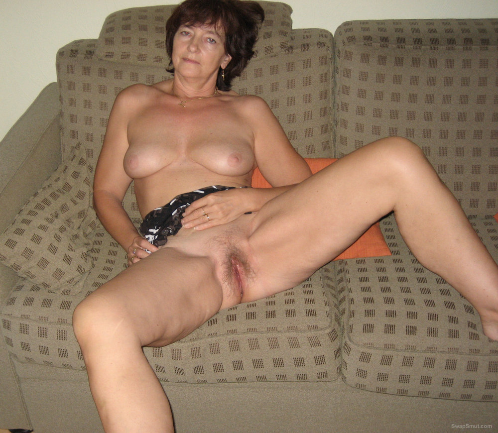 Mature Babe Spreads Her Hairy Pussy