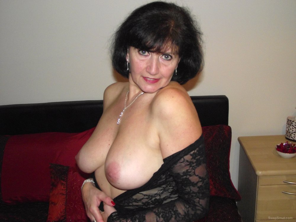 naked seductive older woman