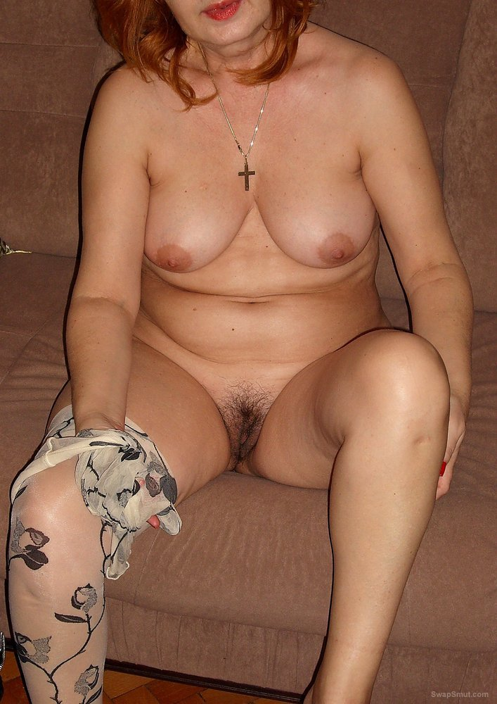 Hot Mom Shows Her Tits And Hairy Pussy For Us To See