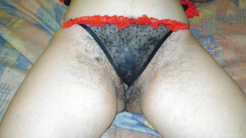 Hairy Pussy Looks Delicious
