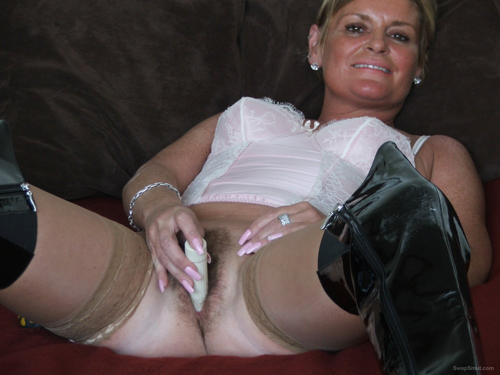 Cute Woman Uses Vibrator To Turn Herself On