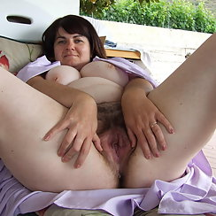 Happy BBW Spreads Her Loins And Shows Us Her Hairy Twat