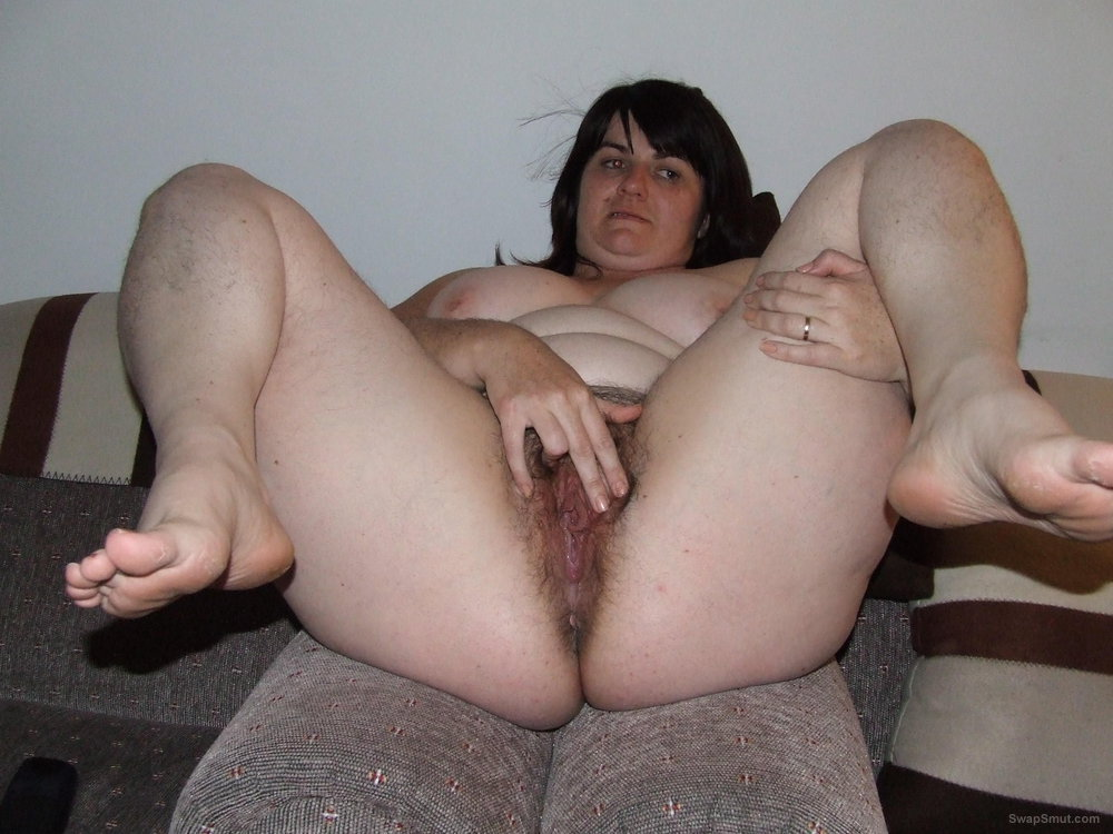 MATURE HAIRY SPREAD PUSSY masterbate VIDEOS