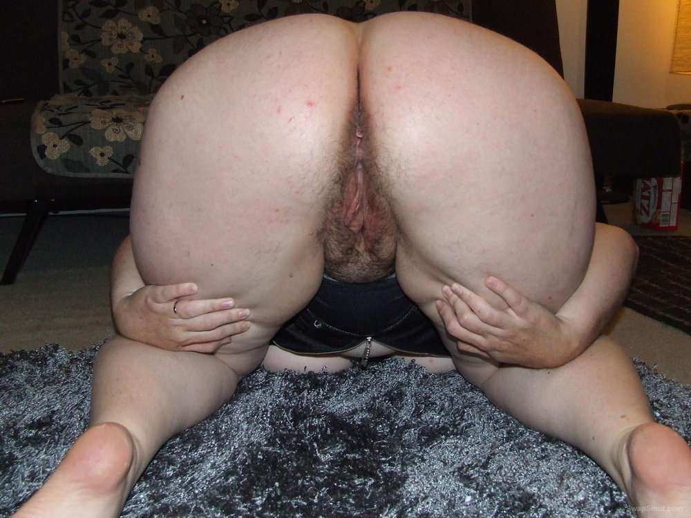 Amateur bbw wife ass and pussy spread