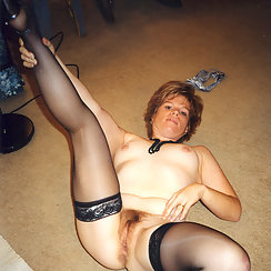 Mature Babe Shows Us Her Hairy Snatch