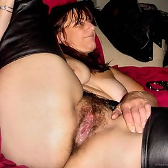 Hot Thick Babe Shows Us Her Wet, Hairy Pussy