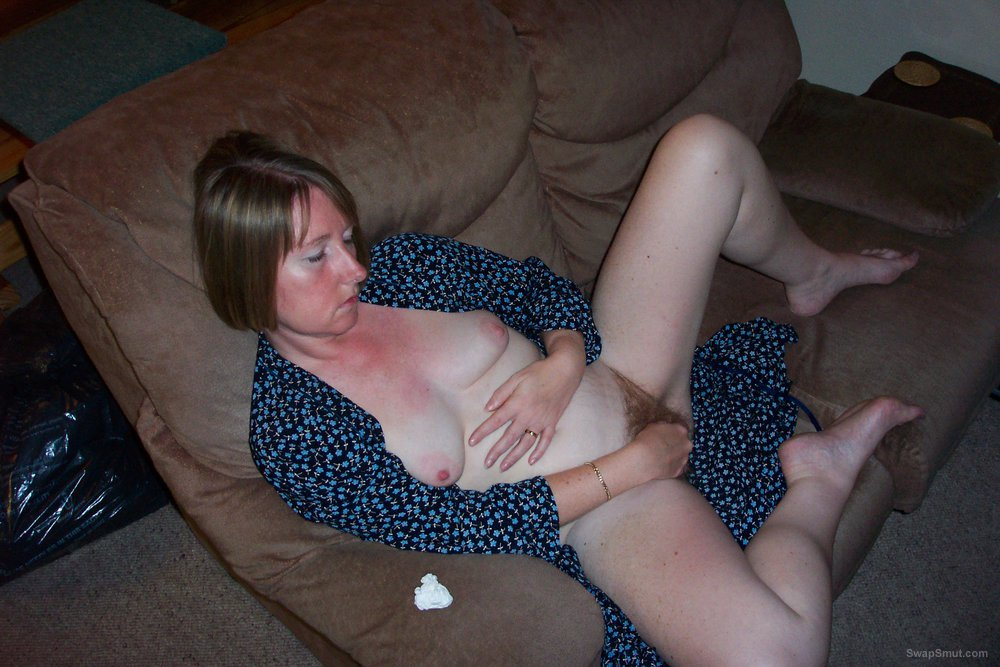 Sexy beautiful older wife exhibitionist