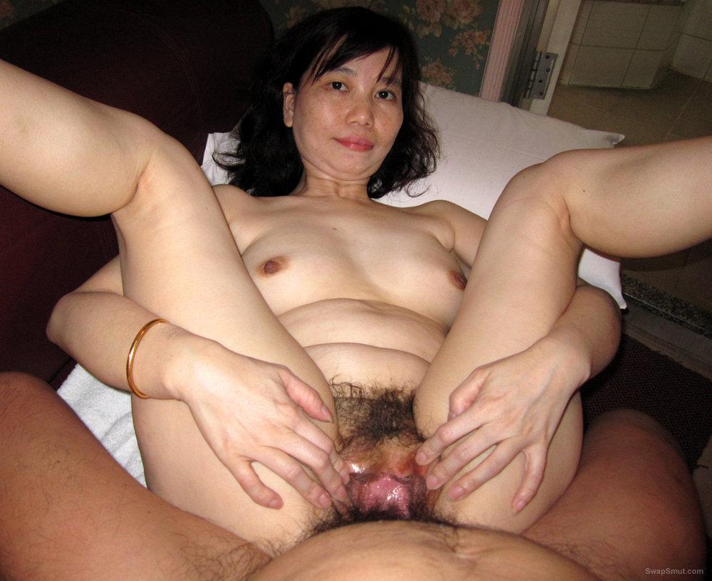 Asian Girl Gets Her Hairy Box Fucked Hard