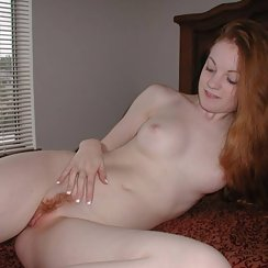 Sexy And Fit Red Head Girl Has Firecrotch And Is Very Fit