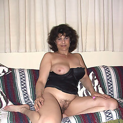 Big Tit Mature Babe Shows Her Tits And Hairy Twat