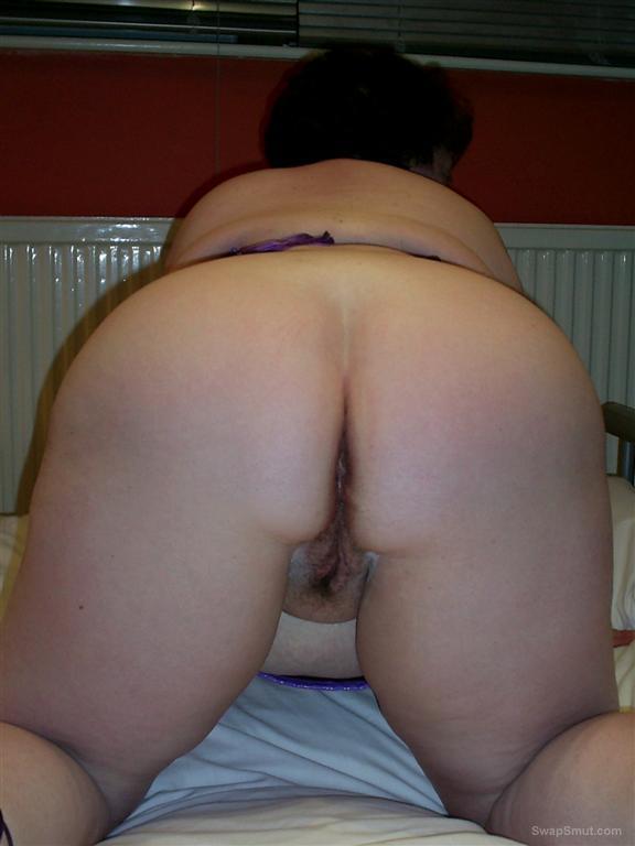 Massive BBW Babe Has Tiny Bit Of Pussy Hair