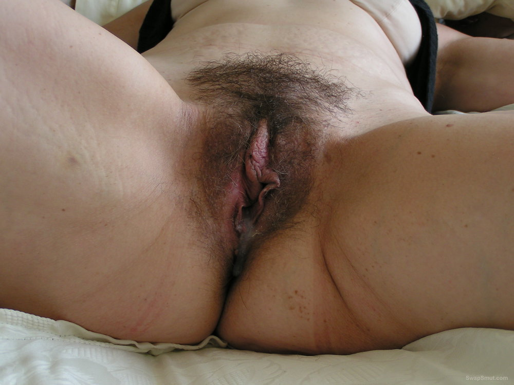 Babe Gets Her Pussy Fucked