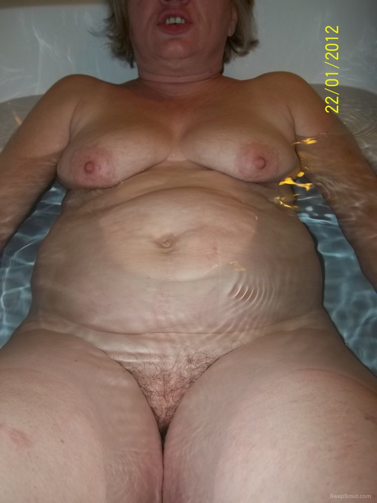 BBW With Cute Belly And Hairy Pussy Looks Hot
