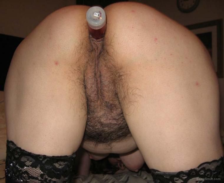 Mature Babe With Hairy Pussy Uses Dildo And Anal Beads
