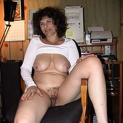 MILF Doesn't Get Embarrassed Showing Hairy Pussy